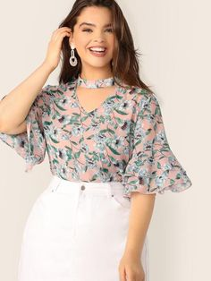 Color:                                                    Multicolor Details:                                                    Button, Cut Out, Ruffle, Tiered Layer Fabric:                                                    Fabric has no stretch Fit Type:                                                    Regular Fit Length:                                                    Regular Composition:                                                    100% Polyester Neckline…