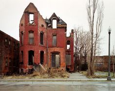 I would SO love to spend some time in Detroit, photographing some of these abandoned neighborhoods.
