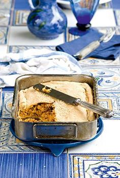 T The famous meat-pie from Kefalonia, Greece Greek Pita, Greek Dishes, Most Delicious Recipe, Tasty, Yummy Food, Group Meals, Mediterranean Recipes, Sweet And Salty, Greek Recipes