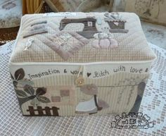 Sewing boxThreads boxHand sewn box Quilted von MJJenekdesigns
