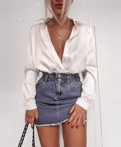 Flawless Summer Outfits Ideas For Slim Women That Looks Cool - Oscilling Mode Outfits, Skirt Outfits, Trendy Outfits, Fashion Outfits, Fashion Tips, Fashion Trends, Denim Skirt Outfit Party, Womens Fashion, Outfits For Concerts