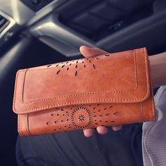 2017 Female Bag Long Section Of Hollow Retro Summer New Packet Wallet Purse Fashion Simple Clutch Wallet