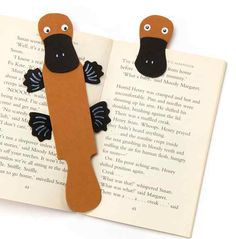 Add some playfulness to your reading with this cute duck-bill platypus bookmark whose bill will ensure you'll never lose your place!