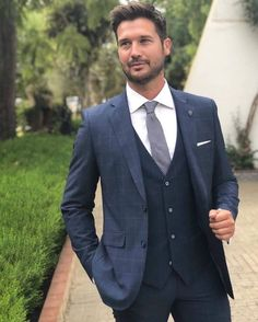 S mens fashion outfits, 2019 Mens Fashion Blog, Urban Fashion, Fashion Outfits, Men's Fashion, Classic Fashion, Fashion Ideas, Three Piece Suit, Classy Men, Suit And Tie