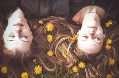 Geschenkideen für eine Freundin – das fängt das grübeln an. Die beste Freundin ist so wertvoll wie sonst fast niemand auf dieser Welt (Mama mal ausgenommen). Daher ist es selbstverständlich, dass du dir ziemlich viel Gedanken machst, was du ihr schenken willst. Hier findest du Entscheidungshilfen, Checklisten und kreative, ausgefallene und besondere Geschenkideen für deine beste Freundin fürs Leben!