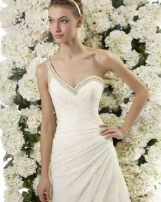 Tendências #Noivas 2014 - Vestidos de uma alsa #AireVintage #casarcomgosto #pedraria