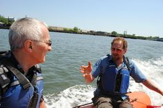 Listening to Adam Green, the Executive Director of Rocking the Boat, as he takes us on a tour of the Bronx River.