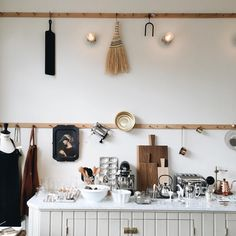 We're making plans for our new kitchen, so a visit to @artillerietstore The Kitchen was really inspiring. #kitchen #inspiration #newkitchen #detail #interior #inredning #inredningsinspiration #göteborg #gothenburg #artilleriet #scandinaviandesign #kroklist #cuttingboards