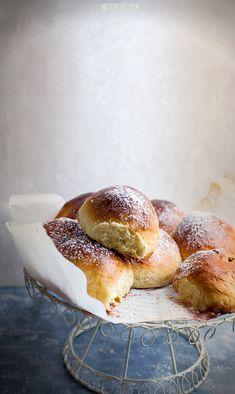 Cherry Buns - Buchty z wiśniami - White Plate Bread Bun, Bread Rolls, Bread Recipes, Cooking Recipes, Sweet Buns, Cherry Recipes, Sweets Cake, Baking And Pastry, Dessert Bread