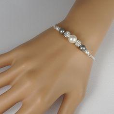 White and Gray Pearl Bridesmaid Bracelet, Swarovski Grey Pearl Bridesmaid Bracelet, Bridesmaid Jewelry, Bridesmaid Gift, Wedding Bracelet