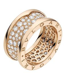 Anillo Bulgari - Joyas - Anillos - Joyas mujer - Anillos para mujer - Irregular Anillo Bzero1 en oro rosa con pavé de diamantes (2,39 quilates), Bvlgari Precio: 8.000 € www.bulgari.com