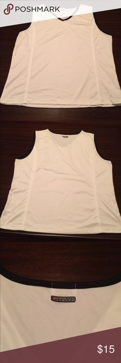 Wilson White and Black Tank Top This black and white Wilson 1X tank is very gently worn. Bundle with some of my tennis skirts for a great deal! Wilson Tops Tank Tops