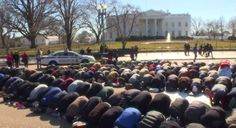 Around a hundred Muslims held a mass Salat al-Jumu'ah (Friday Prayer) in front of the White House in Washington on February 13th.