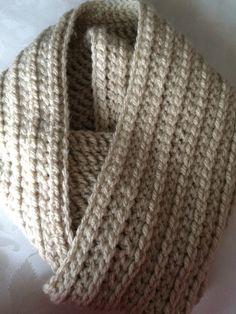 Cuello de crochet en lana