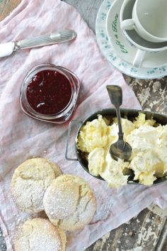 Making homemade clotted cream, via I Married an Irish Farmer.  I think it's time for a tea party with my besties!