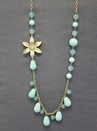 La Mode necklace. . .I have a bunch of swarski crystals from a broken necklace that I could use to mimic this design