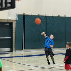 Kid loves him some basketball!!! #basketballpractice #ballin #lincolnsports