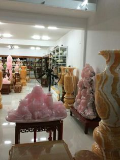 Buddha in pink onyx pls contact danang.marble@yahoo.com or danangmarble.com.vn for order or more info.