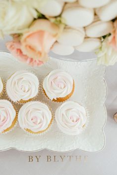 Gold, pinks and bubbly too, this tea time soiree is positively lovely. Glass Conservatory, Tea Party Bridal Shower, Vanilla Cake, Tea Time, Champagne, Bubbles, Spring, Pretty, Desserts