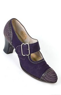 Deco shoes, c.1927-1930. Made from navy faille with cream colored stitching, the shoes have an amazing Deco stitching pattern on the toes and heels. An exemplar of Deco design, the stitching pattern transforms utilitarian shoes into an art statement.