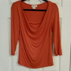 Michael Kors Top Quater sleeve scoop neck top. Very comfy, stretchy material.  Great condition! MICHAEL Michael Kors Tops Blouses