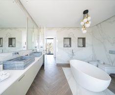 Modern holiday home located on the Spanish island of Ibiza, designed in 2016 by Natalia Zubizarreta. Bad Inspiration, Bathroom Inspiration, Ibiza, Bathroom Toilets, Interior Design, Ikea Interior, House, Home Decor, Bath Room