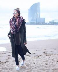 Marta M - Stradivarius Scarf, Sheinside Coat, Adidas Sneakers - Barcelona