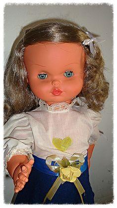 Doll made in Venezuela. Muñeca hecha en Venezuela , años 70 aprox.
