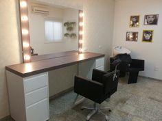 Salão de beleza, leve, feminino e charmoso.  Projeto do Studio Designare. Araçatuba / SP
