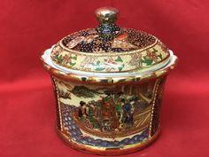 Porta bonbon in porcellana Satsuma con decorazioni - Cina- XX secolo