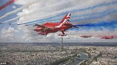 Uk Capital, Jet Fly, Horse Guards Parade, Famous Speeches, Raf Red Arrows, Free In French, British Prime Ministers, French Army, Walkabout