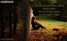 Nie ma co kopiować innych! Warto być sobą :).  #cytaty #mobene #motywacja #meble
