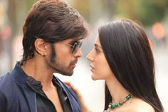 Himesh Reshammiya fails to emote in Teraa Surroor song Main woh chaand. Bollywood famous singer and music director Himesh Reshammiya is back as a performer with Watch Bollywood Movies Online, Movies To Watch Online, Bollywood News In Hindi, Bollywood Actress, Movie Ringtones, Box Office Collection, Movie Wallpapers, 2 Movie, Indian Movies