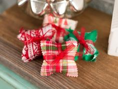 Give the gift of toasty fingers with these easy, no-sew hand warmers from HGTV.com.
