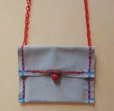 http://blomming.com/mm/Martigianato/items/mini-pochette-celeste?view_type=thumbnail
