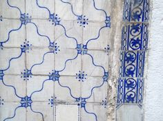porto Handmade tiles can be colour coordinated and customized re. shape, texture, pattern, etc. by ceramic design studios