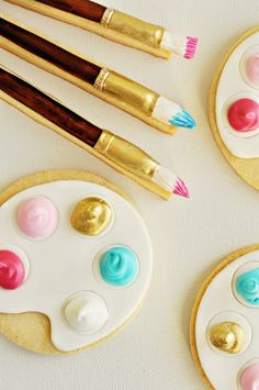"""Sweetapolita — Artist's Palette & Paintbrush Cookies (with a special """"Twist"""")"""