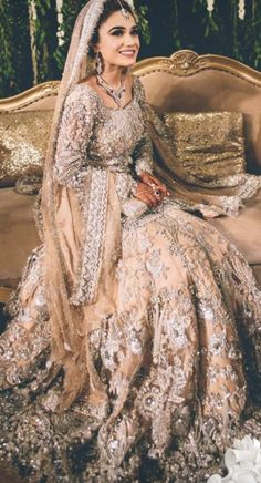 Fishtail Wedding Dresses With Sleeves .Fishtail Wedding Dresses With Sleeves Indian Wedding Gowns, Pakistani Wedding Outfits, Indian Bridal Outfits, Pakistani Bridal Dresses, Pakistani Wedding Dresses, Pakistani Suits, Wedding Lenghas, Pakistani Bridal Couture, Bridal Anarkali Suits