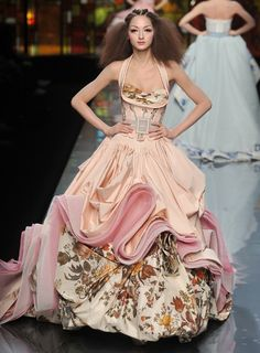 orange gown haute couture - Buscar con Google