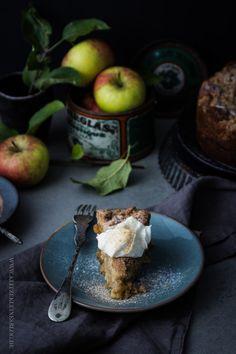 In einer Apfelkiste, die an einem Traktor hängt, über eine Apfelplantage während des Apfelfestes zu kurven, führte definitiv zu der Intention diesen verdammt famosen Apfelkuchen mit einer Extraporti