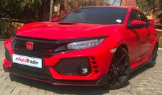 Where are the Honda Civic Type R's airbags located?