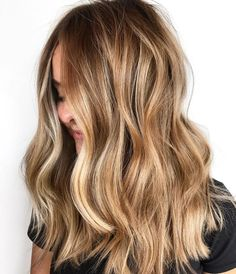 Fall Color Trend: 55 Warm Balayage Looks… Trending Fall Hair Color Ideas Brown Hair With Highlights And Lowlights, Color Highlights, Chunky Highlights, Blonde Hair Caramel Highlights, Balayage Hair Light Brown, Blonde Hair With Brown Highlights, Medium Blonde Hair Color, Balayage Hair Dark Blonde, Beachy Blonde Hair