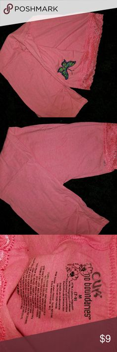 No bounderies pants No bounderies pants worn a couple times has something written inside by tag area which bleed through a little bit in back by waist line which can be seen in photo good condition overall No Boundaries Pants
