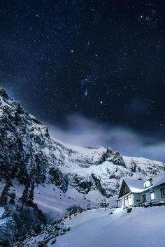 Snow Cabin, Bucegi Mountains, Romania  photo via josie