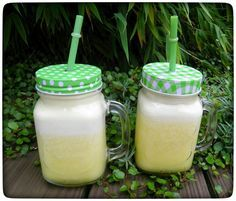 Ananas-Ingwer-Fettburner Smoothie. Die Ananas hilft bei der Entsäuerung des Stoffwechsels und ist dazu sehr basisch. Das ist ein gesundes Frühstück.