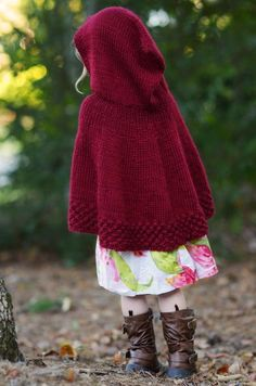 This Little Red Riding Hood Cape is so precious; free-Pattern and tutorial for invisible increasing
