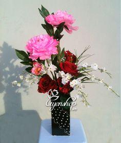 Bộ đôi nâu trầm Glass Vase, Flowers, Home Decor, Homemade Home Decor, Floral, Interior Design, Royal Icing Flowers, Home Interiors, Decoration Home