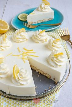Limoncello cheesecake with long fingers recipe nights # Dessert Cupcakes, Cake Cookies, Cupcake Cakes, Pie Cake, No Bake Cake, Cookie Desserts, Savoury Cake, Quiches, Food Cakes