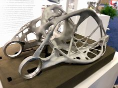 An incredible printed metal part with design generated by Autodesk software 3d Printing Industry, 3d Printed Objects, Space Frame, Parametric Design, Mechanical Design, 3d Prints, Bike Frame, Metal Fabrication, Machine Design