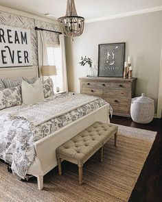 Is anyone else jealous of bedroom? We love how peaceful and pretty this room looks! This is truly the definition of a rustic chic and farmhouse styled bedroom! Is anyone else jealous of BRENDT Farmhouse Style Bedding, Modern Farmhouse Bedroom, Bedroom Country, Farmhouse Side Table, Country Farmhouse Decor, Country Homes, Foto E Video, Living Spaces, Jealous
